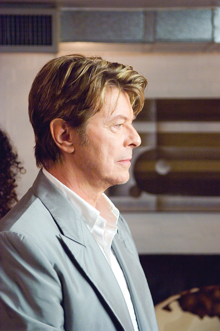 Picture Shows: David Bowie as himself on Extras: Series 02